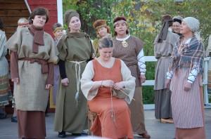 Suden AIka- musiikkinäytelmä vuonna 2007, Siuron Knuutilan Kartanon tiluksilla.